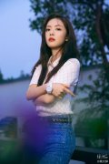 蔡文静彭冠英是情侣吗,她和马思纯、姚晨长相对比照