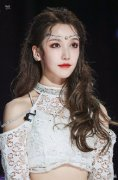 姜贞羽中戏北舞双料第一是真的假的,她实际是中戏专科毕业?