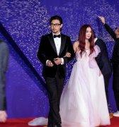 黄维德和王耀庆对比照,他的妻子是谁?